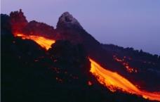 火山岩浆图片